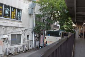 国分寺駅の西武バスの留置場