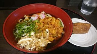 天ぷらきしめんと稲荷寿司