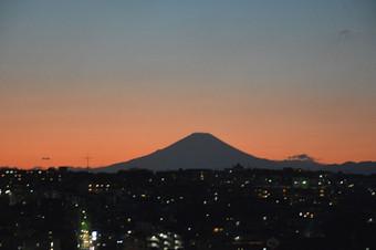京急百貨店から見た富士山