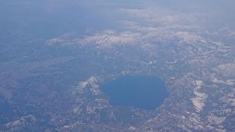 機内からの風景:田沢湖