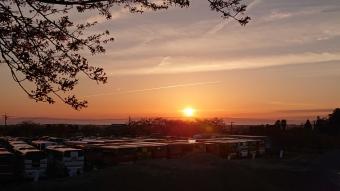 日本海・能登半島に沈む夕陽