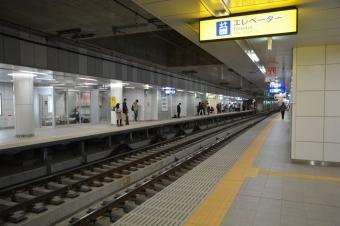 産業道路駅:下りホームの小島新田側から