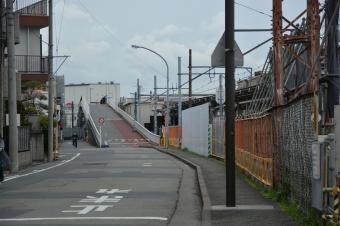川崎貨物駅を渡る橋
