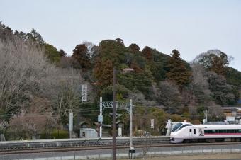 常盤神社と常磐線と偕楽園駅