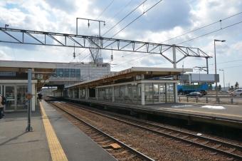 南千歳駅:ホーム