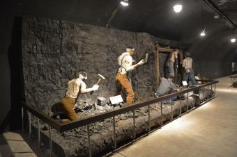 掘削作業の展示