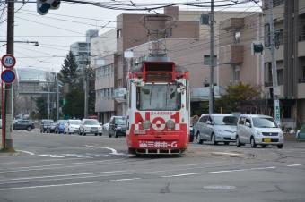 電車事業所前停留場前の交差点