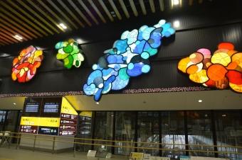 新函館北斗駅:改札を出た所